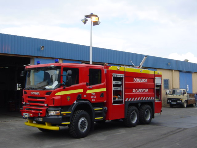 TF 440E NT-4 with 3x250W HPS beacon (Inasi Portugal) (by paul@afire.org.au)