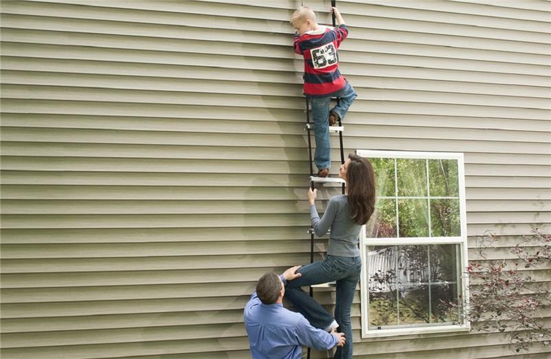 Werner Esc220 2 Story Built In Fire Escape Ladder Firesafe
